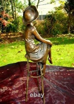 Demoiselle Statue Hat Pin-up Art Deco Style Art Nouveau Bronze Massive