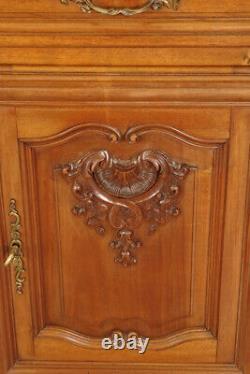Sidet Style Louis XV Walnut