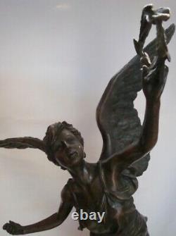 Statue Victory Style Art Deco Style Art Nouveau Bronze Mass Bronze