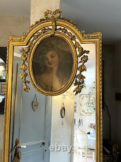 Truma Of The 19th Wooden And Golden Stucco Louis XVI Style Of A Portrait