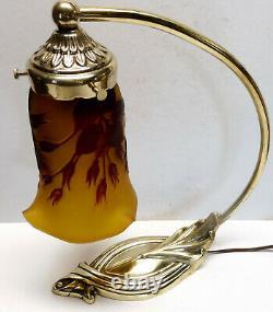 Ancienne LAMPE style art-nouveau bronze signé P. LUCAS superbe tulipe (2)