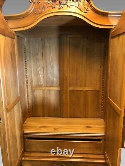 Chambre à coucher style Louis XV noyer 1900 armoire, lit, chevet