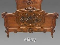 Chambre à coucher style Louis XV rocaille noyer 1900