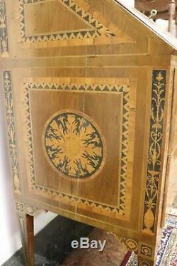 Commode bureaux en marqueterie de style Louis XVI, époque XX