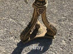 Lampadaire en bois doré style Louis XVI