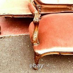 Mobilier de salon style Louis XV Quatre fauteuils deux chaises deux banquettes