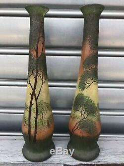 Paire De Vases En Verre Non Signes Style Legras