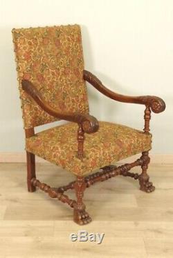 Paire de fauteuils style Louis XIII noyer