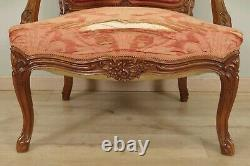 Quatre fauteuils à dos plats style Louis XV