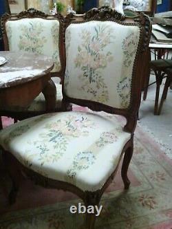 Salon canapé deux fauteuils 4 chaises style Louis XV noyer soie fleurie