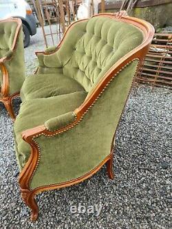 Salon de style LOUIS XV / 2 fauteuils bergères et une banquette