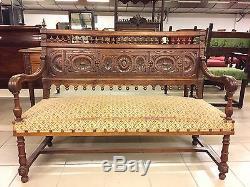 Salon noyer canapé deux fauteuils quatre chaises style Renaissance Henri II
