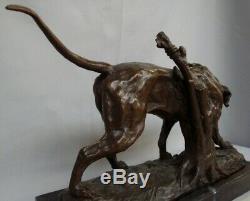Statue Chien Chasse Style Art Deco Style Art Nouveau Bronze massif Signe