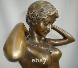 Statue Demoiselle Collier Sexy Style Art Deco Style Art Nouveau Bronze massif Si
