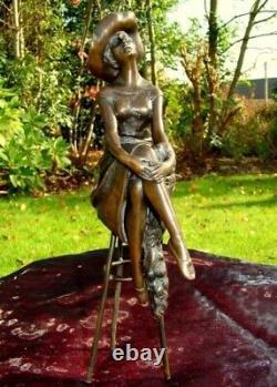 Statue Demoiselle Pin-up Chapeau Style Art Deco Style Art Nouveau Bronze massif