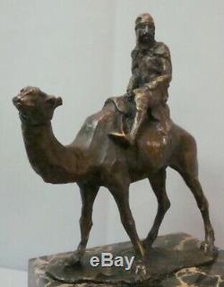 Statue Dromadaire Chameau Touareg Style Art Deco Style Art Nouveau Bronze massif