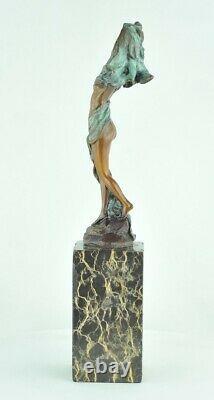 Statue Sexy Style Art Deco Style Art Nouveau Bronze massif Signe