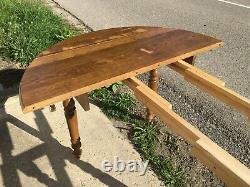 Table 6 pieds en chêne massif 4 rallonges style Louis Philippe du 20ème siècle