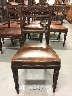 Table et huit chaises de salle à manger acajou style anglais