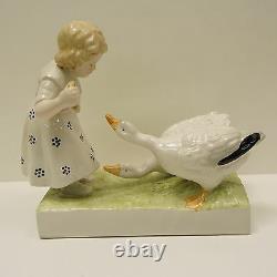 Vase Figurine Enfant Oie Style Art Deco Style Art Nouveau Porcelaine Emaux