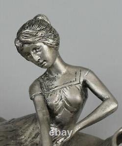 Vide-poche style Art Nouveau Etain XXe siècle